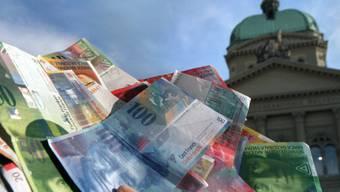 Der Bund erwartet statt einem Defizit ein Überschuss. (Symbolbild)