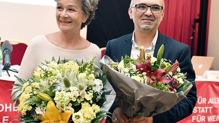 Die SP-Kandidaten Esther Meier (links) und Ali Özcan nach der Nomination für die Nationalratswahlen.