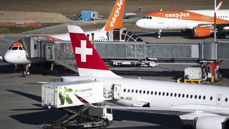 Sowohl Easyjet Switzerland als auch die Swiss bitten den Bund um finanzielle Unterstützung.