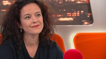 «Treppen laufen gehörte zum Komplexesten, was ich wieder lernen musste»: Nora Zukker in der Sendung TalkTäglich.