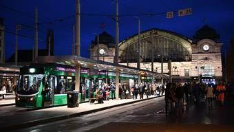 """SaW-""""Abblende"""" Bahnhof SBB, BVB Tram"""