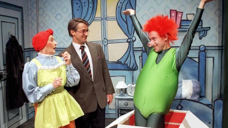 Szene aus dem Stück Sams, in dem Monica Gubser Frau Rotchrut spielte.