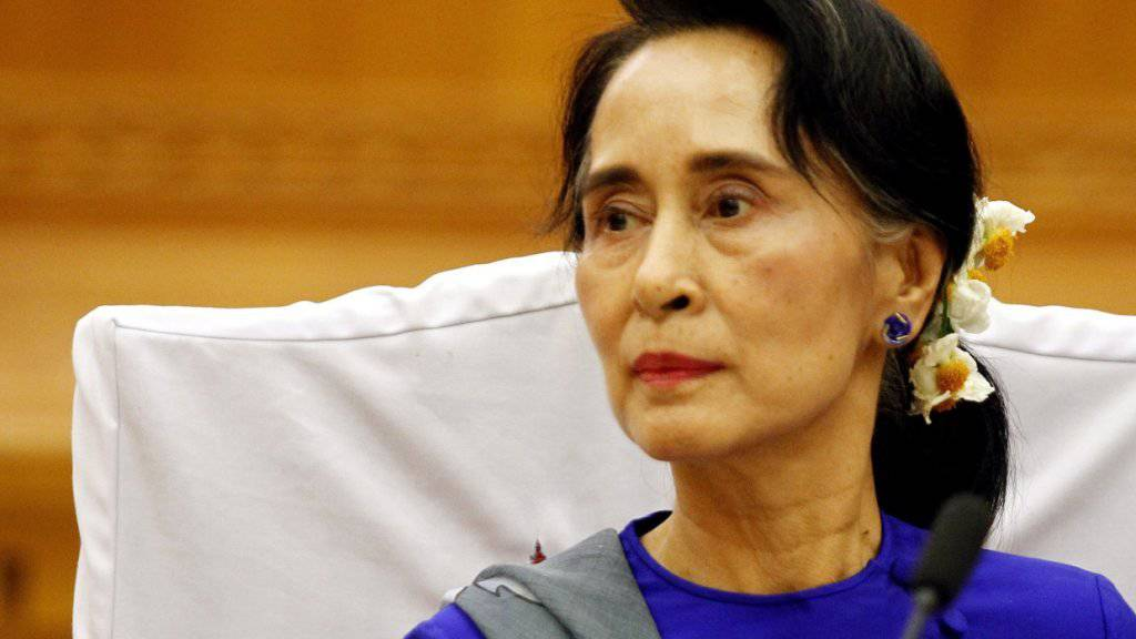 Parteichefin Aung San Suu Kyi kann nicht selbst als Präsidentin Myanmars kandidieren, sie bestimmte nun aber zwei Kandidaten. Das Militär bestimmt den dritten. (Archivbild)