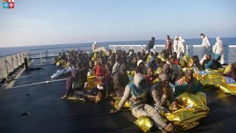 Migranten vor der Mittelmeerinsel Lampedusa. Auch der mutmassliche Nizza-Terrorist kam über diese Route nach Europa.