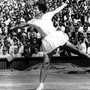 Die Amerikanerin zählt nicht nur zu den besten Tennis-Spielerinnen aller Zeiten, sie hat auch abseits des Platzes als Kämpferin für Gleichberechtigung viel bewegt. Ein wichtiger Schritt war dabei die Gründung der WTA im Jahr 1973, die sie mitinitiierte