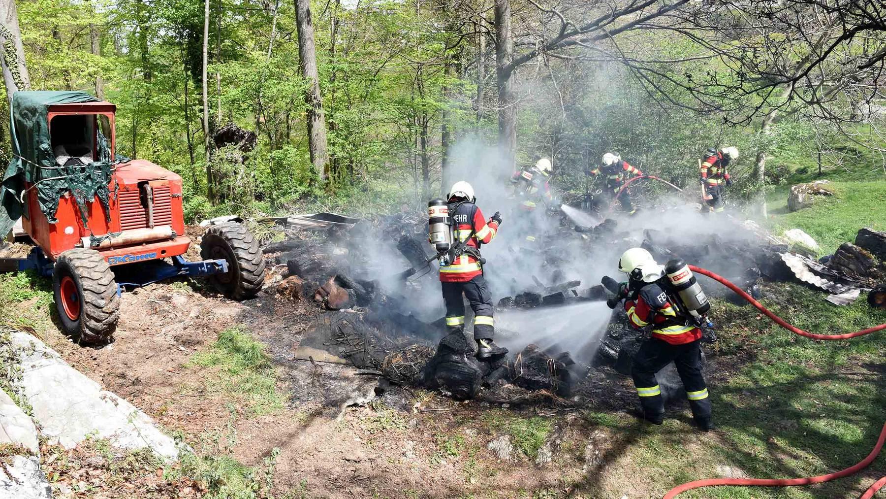 Anwohner verletzt sich bei Brand in Obbürgen