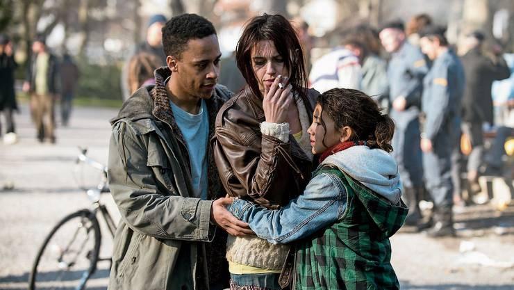Eine packende Geschichte: Luna Mwezi als Tochter und Sarah Spale als Mutter überzeugen in «Platzspitzbaby».
