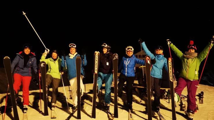 Nachtskifahren oder Schneeschuhlaufen bei nächtlicher Stimmung für 12 begeisterte Turnerinnen aus Horriwil auf dem Balmberg.