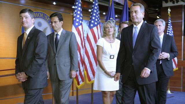 US-Republikaner beim Verlassen des Sitzungszimmers