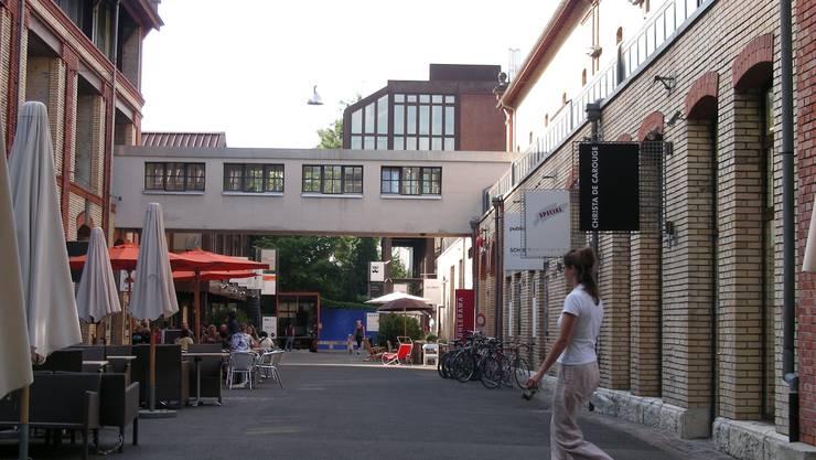 Verschiedene Geschäfte haben sich in der Mühle Tiefenbrunnen eingemietet.  abr.