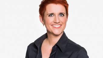 Andere Familienmodelle zu kritisieren liegt Moderatorin Steffi Buchli fern. (Bild SRF)