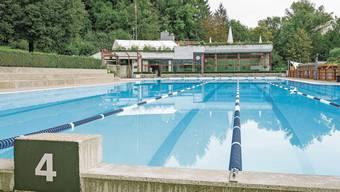 Die FDP empfiehlt ein Nein zum 9,2-Millionen-Kredit für die Sanierung des Bades, strebt aber eine andere Finanzierung an.