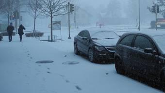 Schlieren, weiss in weiss: Der Schnee liess am Wochenende fast alle Farben verschwinden.