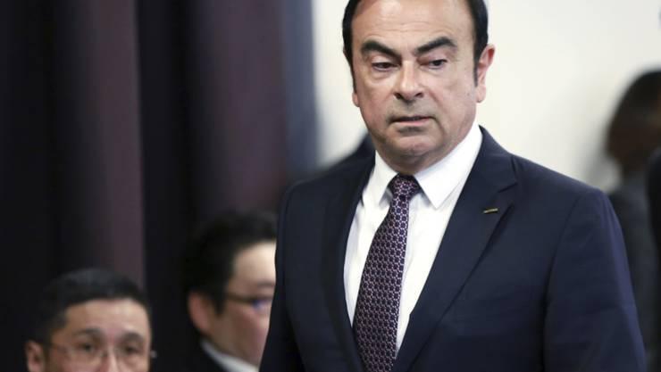 Ex-Nissan-Chef Carlos Ghosn muss acht Tage länger in Haft bleiben.  Die Staatsanwaltschaft hat mit der Verlängerung durch das Tokioter Bezirksgericht nun mehr Zeit, um formell Anklage zu erheben oder den früheren Top-Manager wieder auf freien Fuss zu setzen. (Archivbild)
