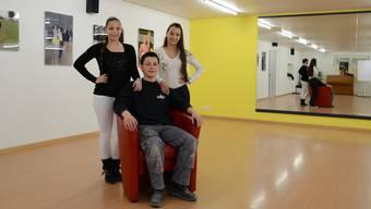 Für einmal stehen Angela, Fabio und Flavia Landolfi nicht in Tanzkleidung in ihrem Trainingsraum.