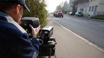 Die Polizei führte eine Geschwindigkeitskontrolle im Innerortsbereich von Wittnau durch (Symbolbild).