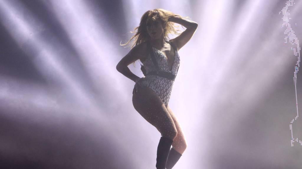 J.Lo und Diddy tanzen gemeinsam für Corona-Spendenaktion