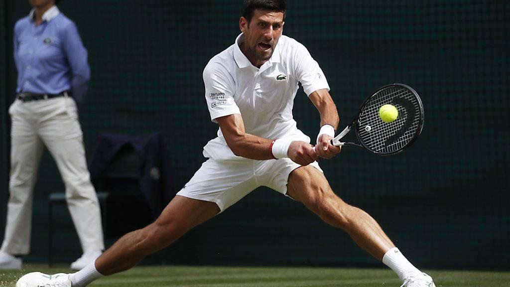 Im Final wartet auf Roger Federer Novak Djokovic