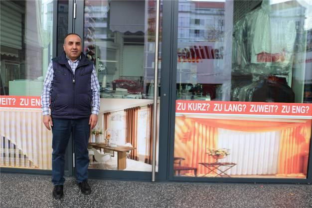 «Ohne auswärtige Kunden hätten wir nach wenigen Monaten wieder geschlossen.» Ali Kömürcün, Inhaber von «Heimtextil»