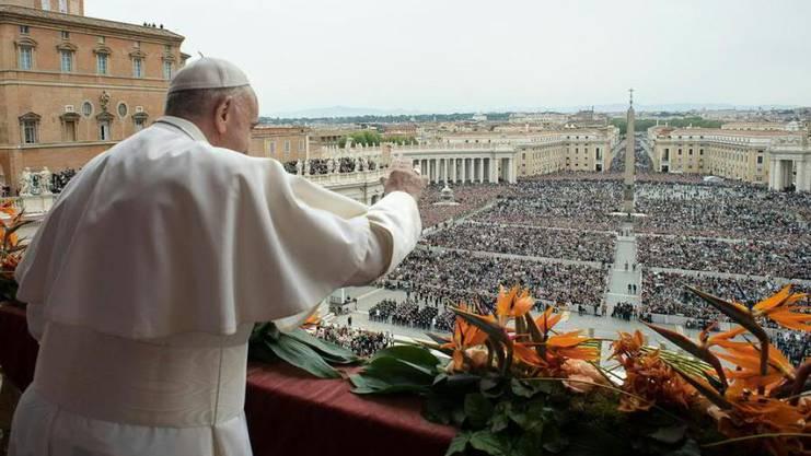 "Papst Franziskus spendet zu Ostern den Segen ""Urbi et Orbi""."