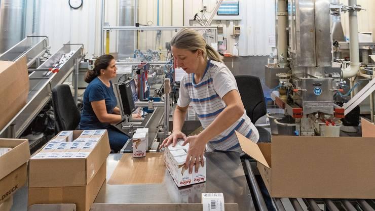 Ein Grossteil der Produktion von Verbandsmaterial der Wernli AG wird in die EU verlagert.