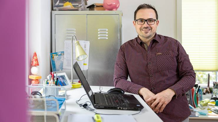 Berufsberater Roberto Morandi im Homeoffice: Er würde für die Lehrstellensuche 2020 eine Verlängerung der Rekrutierungsphase begrüssen.