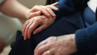 Die geleisteten pflegerischen und hauswirtschaftlichen Stunden steigen von Jahr zu Jahr. (Symbolbild)