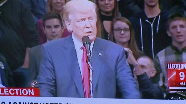 Was denken Schweizer Politiker über Trump und Clinton?