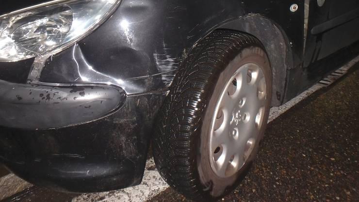 Der Sachschaden an den Fahrzeugen beläuft sich nach ersten Schätzungen auf rund 10'000 Franken.