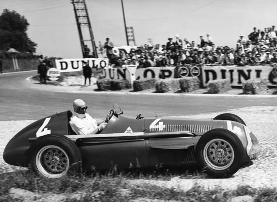 Juan Manuel Fangio wird 1951 im Alfa Romeo Weltmeister.