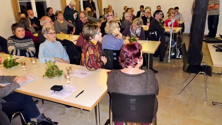 Grossaufmarsch im Martinum und grosses Interesse am Vortrag. Bild Ruedi Gass, NVVR