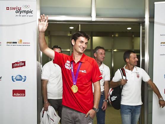 Steve Guerdat bei seiner Rückkehr aus London. 2012 wurde der Schweizer Olympiasieger.