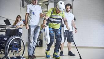 Cybathlon: Robotische Hilfsmittel sollen gelähmten Menschen helfen. Bald messen sie sich gar in einem Wettbewerb