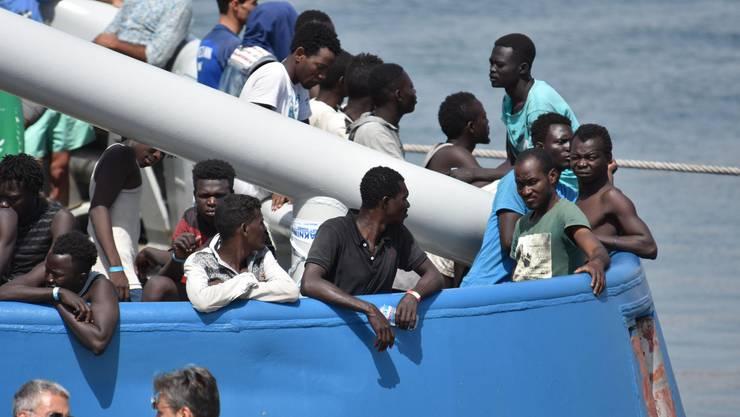 Mehr als 100'000 Flüchtlinge sind in diesem Jahr bereits über das Mittelmeer nach Europa gekommen. Die meisten von ihnen nimmt Italien auf.