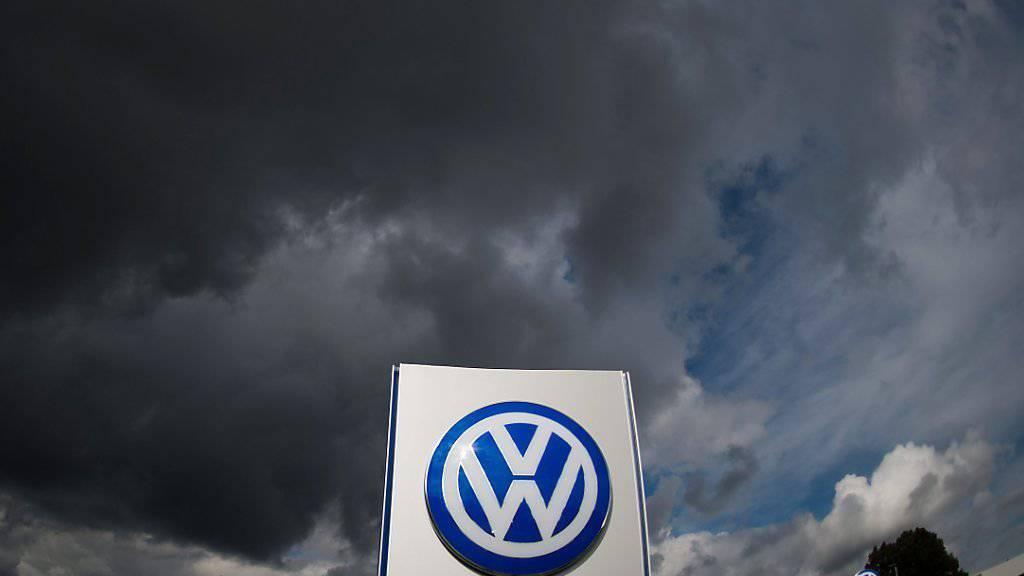 Da kommt etwas auf VW zu: Laut Insidern sollen die Kosten zur Beilegung des Streits um den Abgas-Skandal höher ausfallen. (Archivbild)