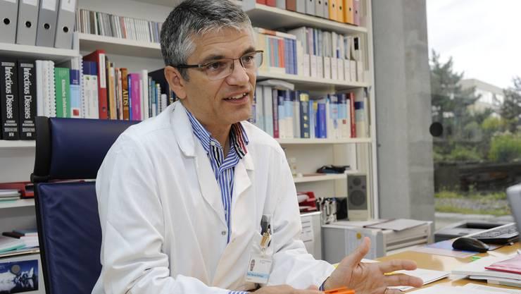 Manuel Battegay: «Die Übertragung des Virus ist nicht mehr möglich, wenn die Behandlung erfolgreich verläuft.» (Archivbild)