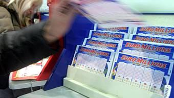 Spielscheine bei Euromillionen (Symbolbild)