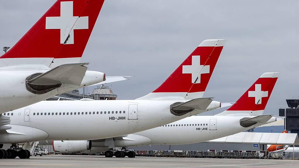Die Swiss kann ihre Flieger allmählich aus dem Schlafmudes zurückholen. (Archivbild)