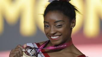 Simone Biles gewann am Sprung ihre erste WM-Goldmedaille und ihren 13. WM-Titel