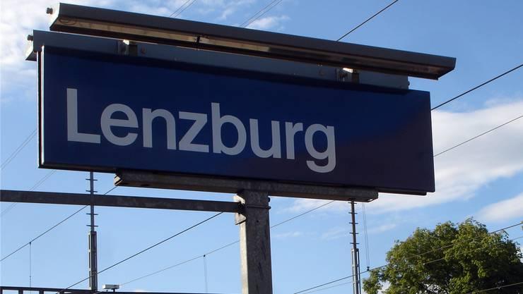 Bahnhof Lenzburg.