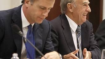 Der Präsident der Direktion der Schweizer Nationalbank, Philipp Hildebrand und Bundesrat Hans-Rudolf Merz (rechts)