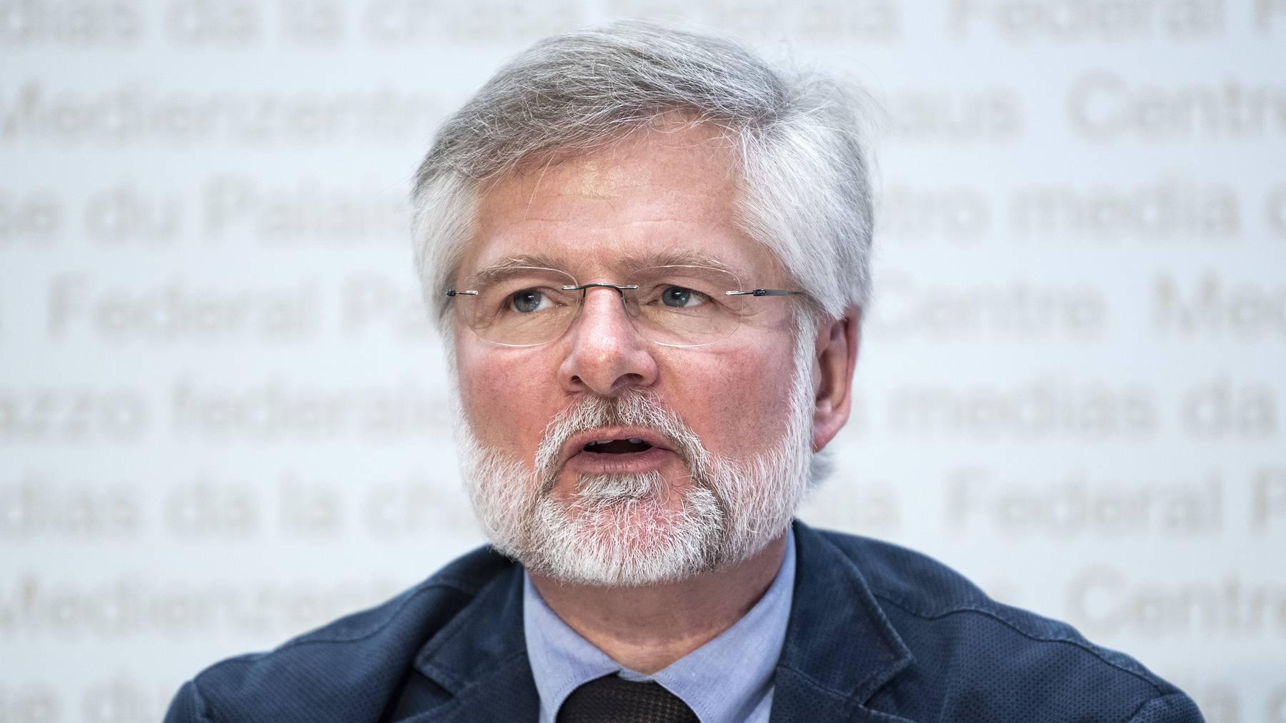 Zuger Kantonsarzt Rudolf Hauri: «Wir stehen mit den Betroffenen täglich telefonisch in Kontakt.»