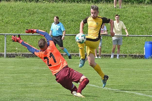 Blustavia schickt Oensingen mit 4:0-Sieg runter in die 3. Liga.