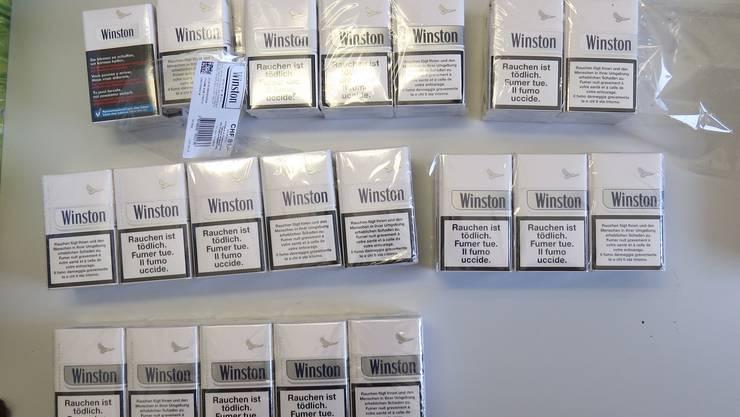 Diese Zigarettenpackungen fand die Polizei.