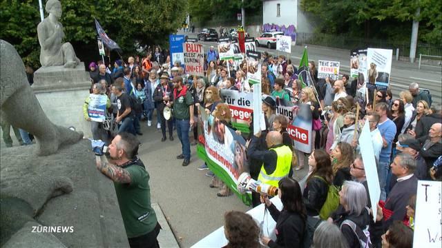 Tierschützer-Demo an der Scientifica