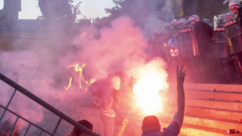 Erneut Demonstrationen und Unruhen in Serbien