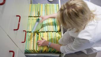 Wohlen – die viertgrösste Aargauer Gemeinde – soll wieder einen Kinderarzt erhalten (Symbolbild)