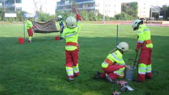 Die Jugendfeuerwehr Hydros beim Hindernisparcours . DO