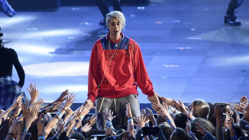 Solche Fans wünscht sich Justin Bieber. Nicht nur ihn sollen sie lieben, sondern auch seine neue Freundin (Archiv)
