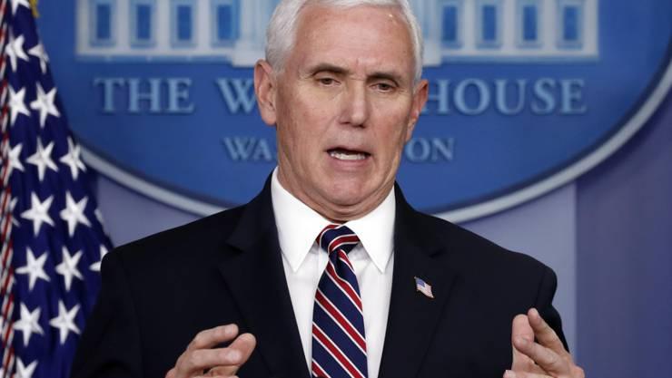 US-Vizepräsident Mike Pence stellt für die grosse Schar derer, die in den USA über keine Krankenversicherung verfügen, Mittel in Aussicht. (Archivbild)